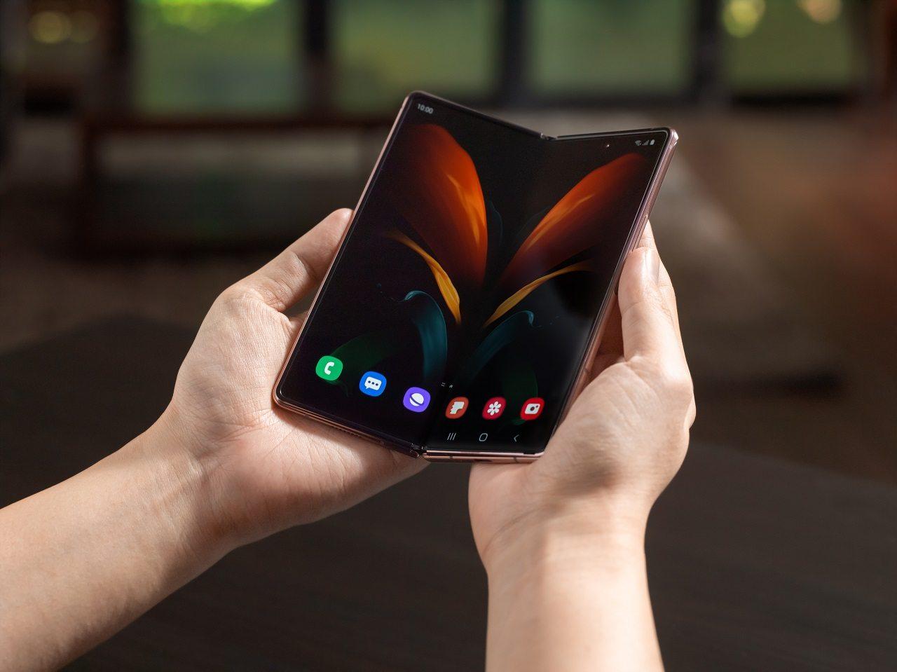 Samsung-Galaxy-Z-Fold-2-5G_2 (1)