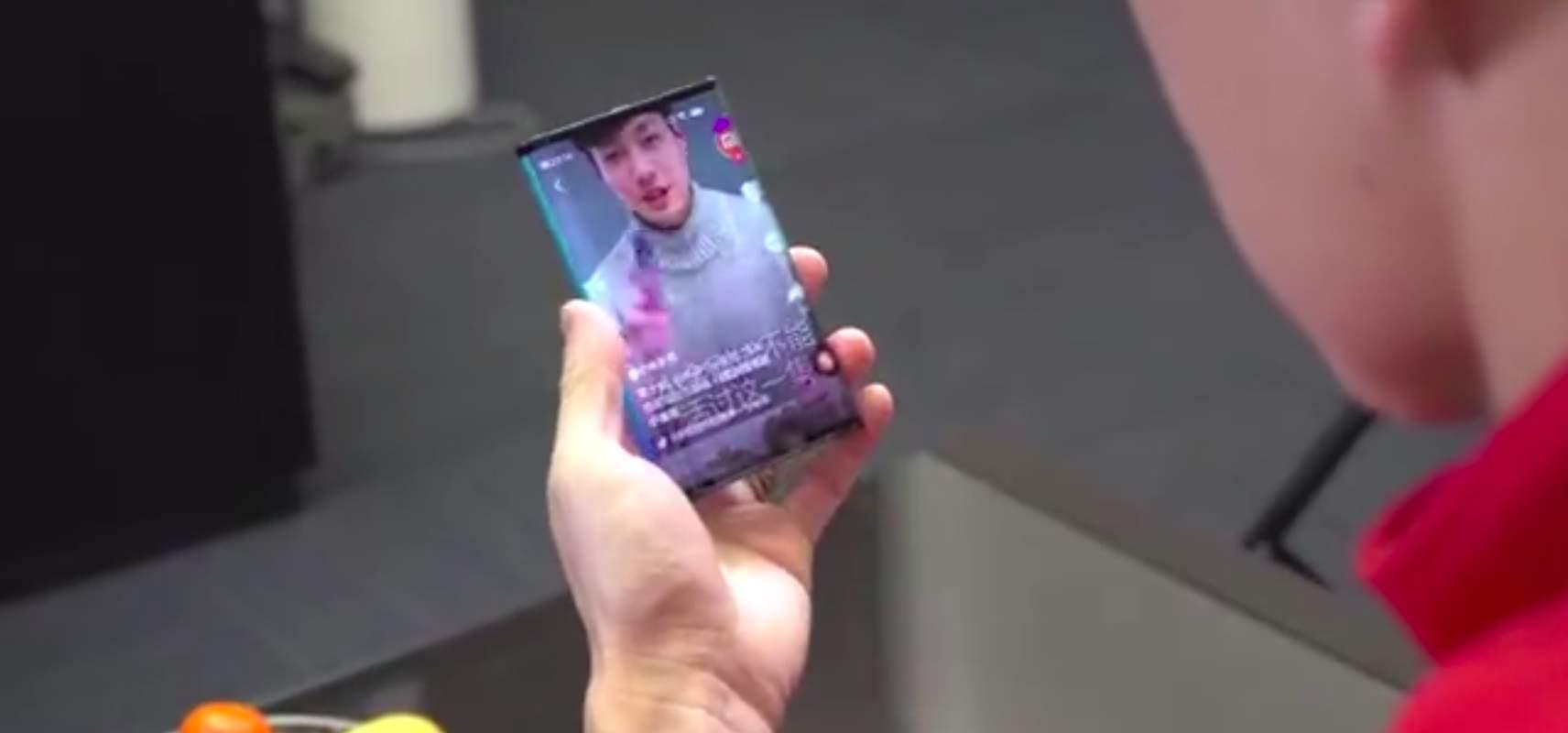 Skladateľný telefón od Xiaomi.