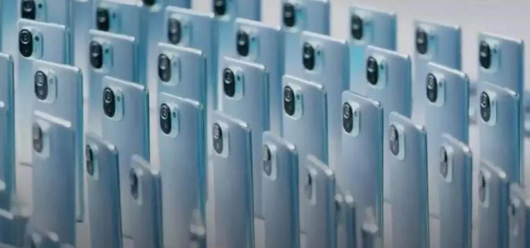 Xiaomi Mi11 showcase.